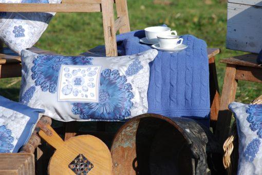 tienda Belinda Carasucia diseño taurino comercio electrónico cojines cojín baguette hombreras gris y azul BG041 foto alternativa