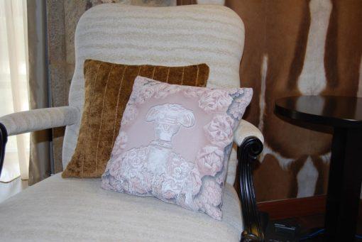tienda Belinda Carasucia diseño taurino comercio electrónico cojines cojín cuadrado torero salmón CU038 foto alternativa