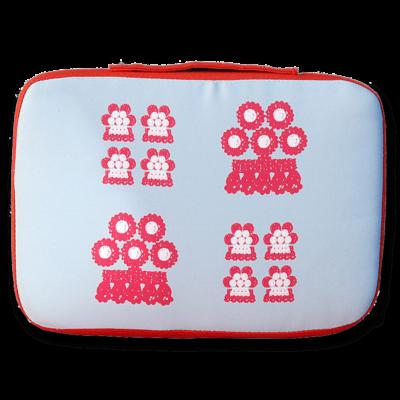 tienda Belinda Carasucia diseño taurino comercio electrónico almohadillas almohadilla alamares pequeños fondo azul AL015
