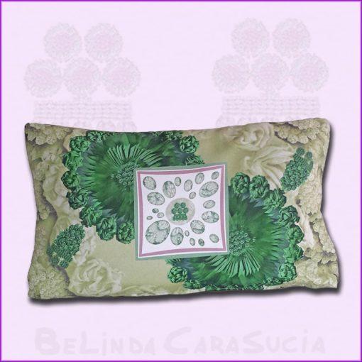 tienda Belinda Carasucia diseño taurino comercio electrónico cojines cojín baguette hombreras esmeralda y dorado BG045