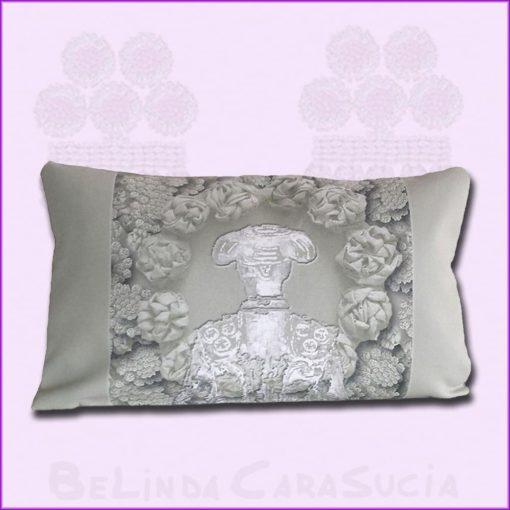 tienda Belinda Carasucia diseño taurino comercio electrónico cojines cojín baguette torero gris BG046