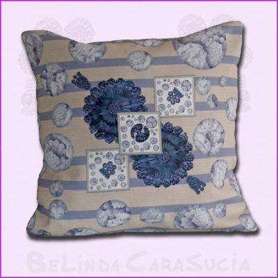 tienda Belinda Carasucia diseño taurino comercio electrónico cojines cojín cuadrado hombreras rayas azules CU032