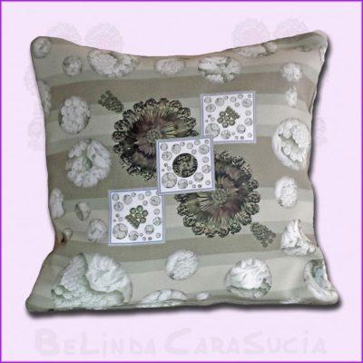 tienda Belinda Carasucia diseño taurino comercio electrónico cojines cojín cuadrado hombreras rayas tostadas CU033