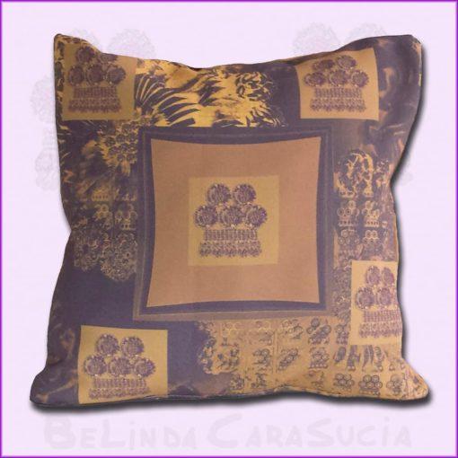 tienda Belinda Carasucia diseño taurino comercio electrónico cojines cojín cuadrado alamar morado CU-ES03